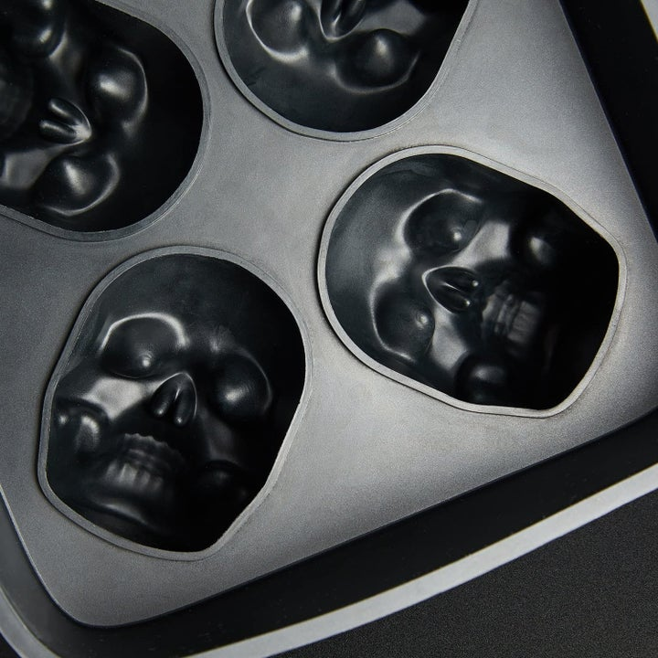 the skull ice mold