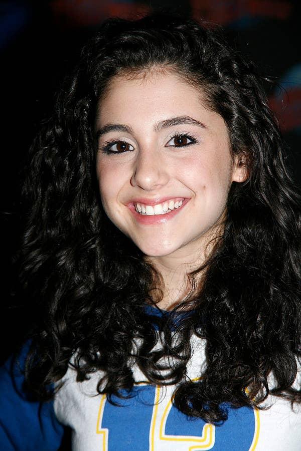Ariana Grande menghadiri Pemeran Musik Broadway & quot; 13 & quot;