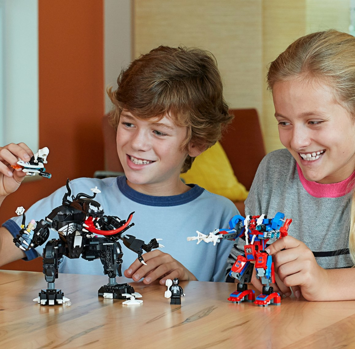 The LEGO superhero set with Marvel characters