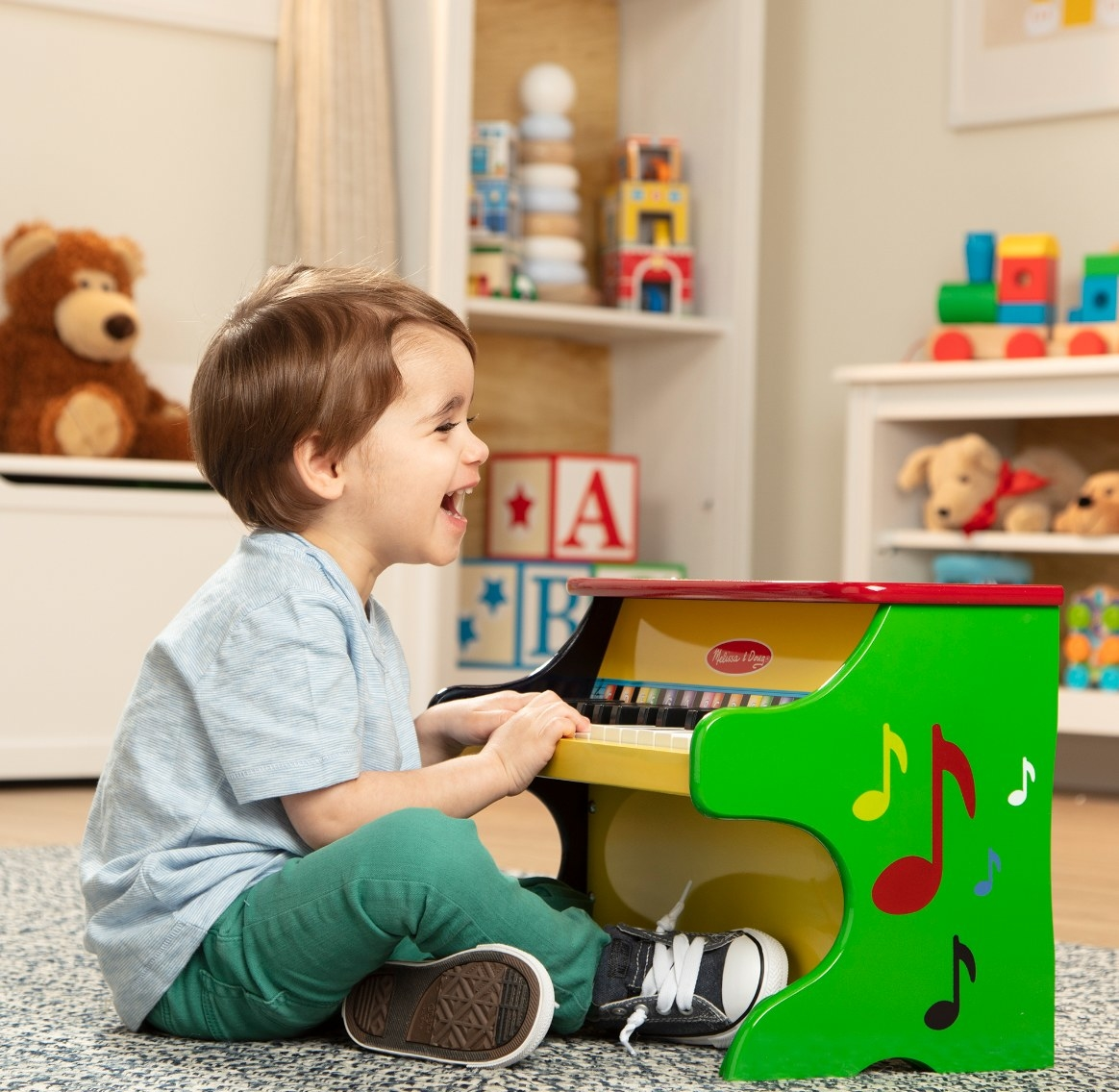 The learn-to-play piano in green, yellow, and red