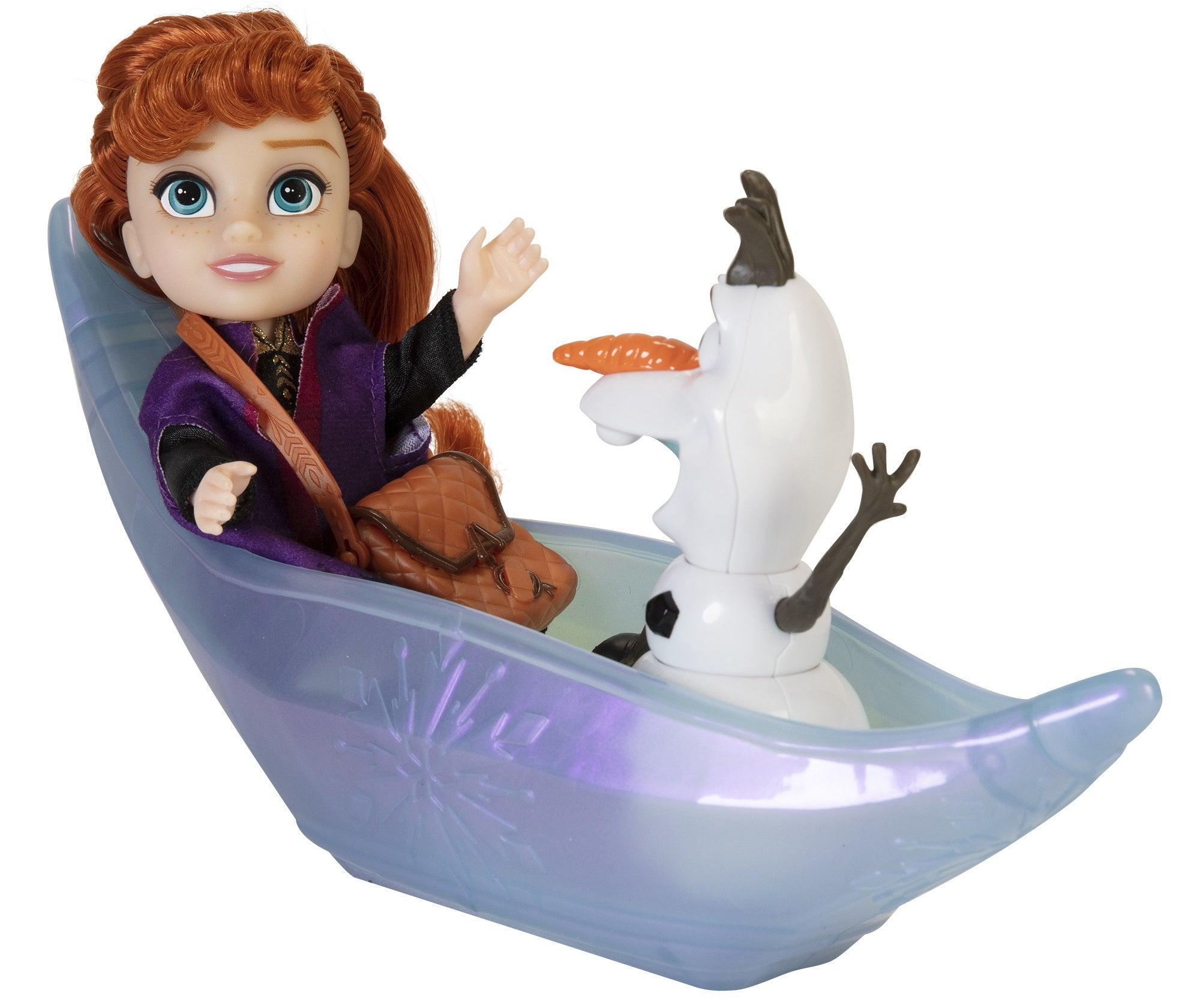 Anna and Olaf in ice canoe