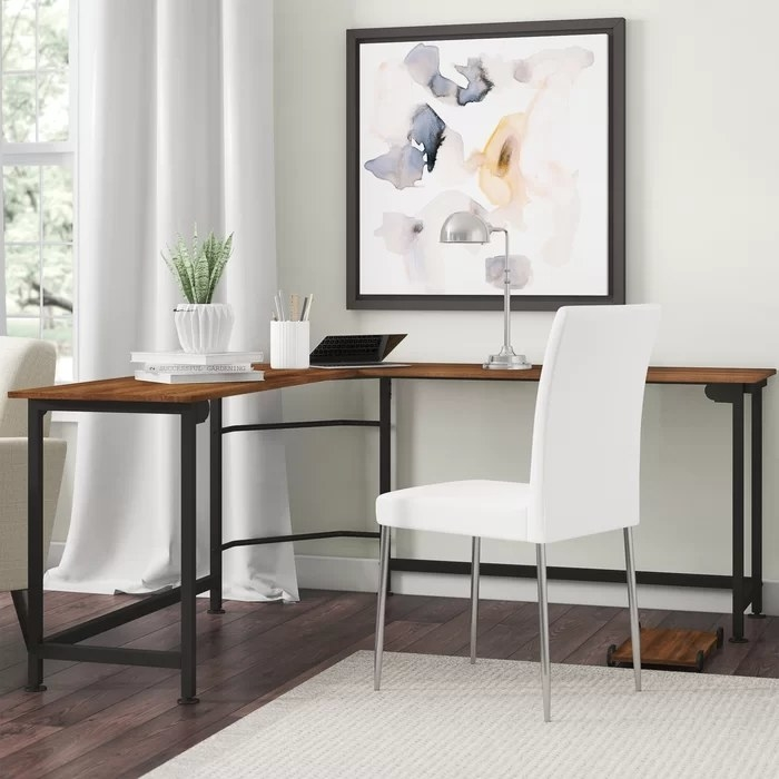 The desk with office items on top