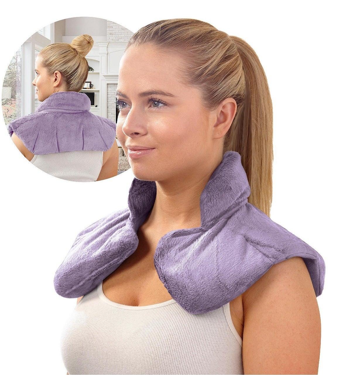 A model using the wrap in purple