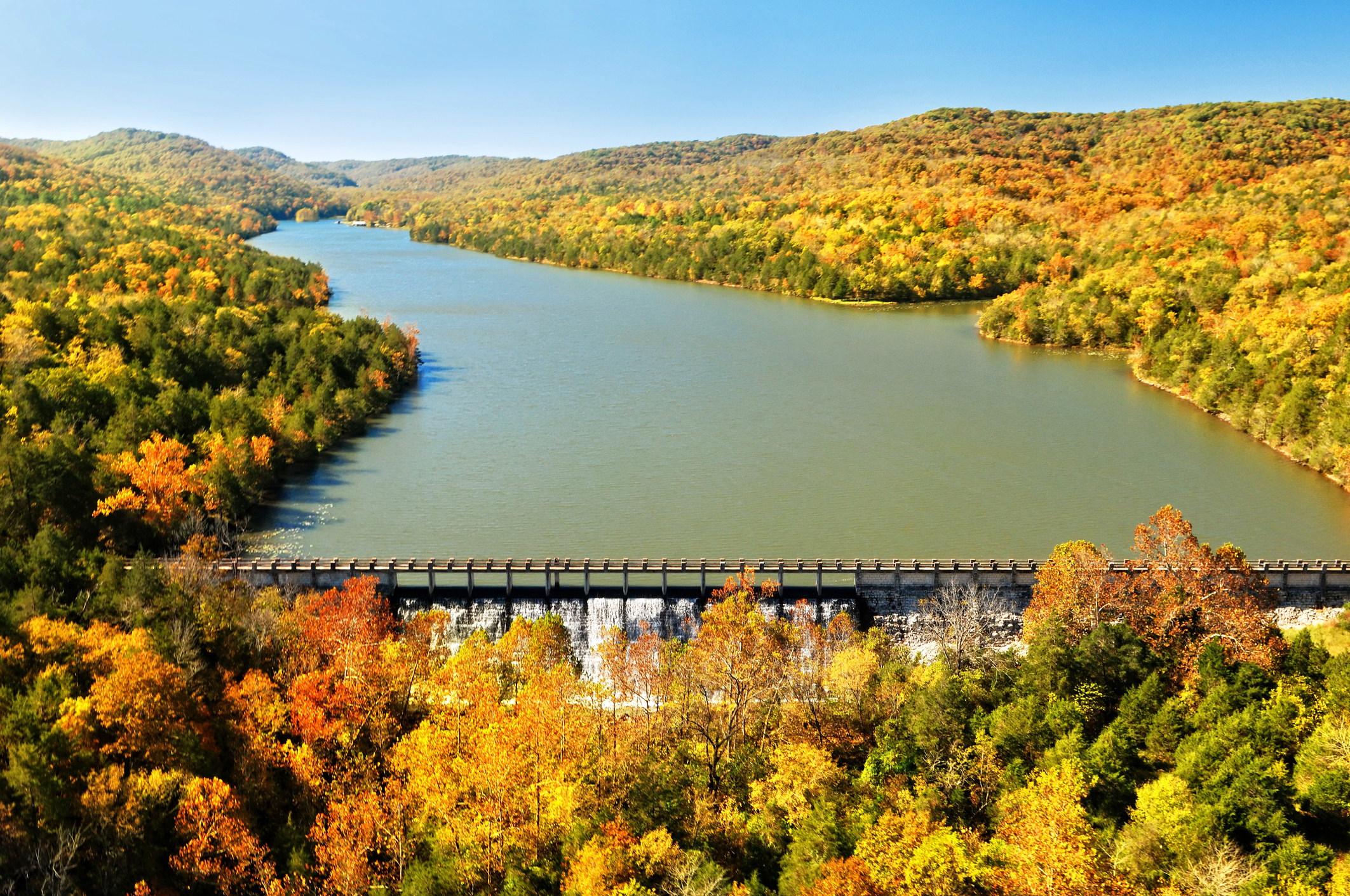 A drone shot of Eureka Springs in autumn