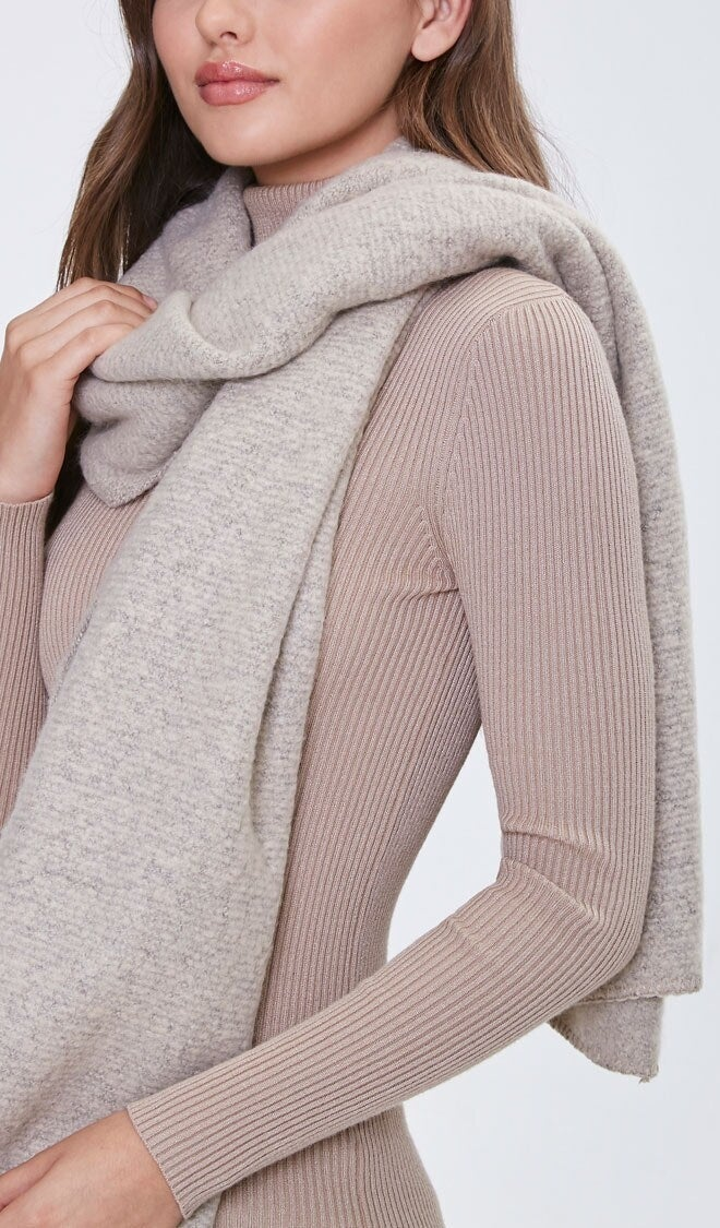 Model wearing grey scarf