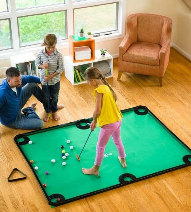 The golf pool table