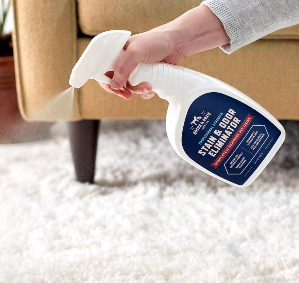 The odor-eliminating spray
