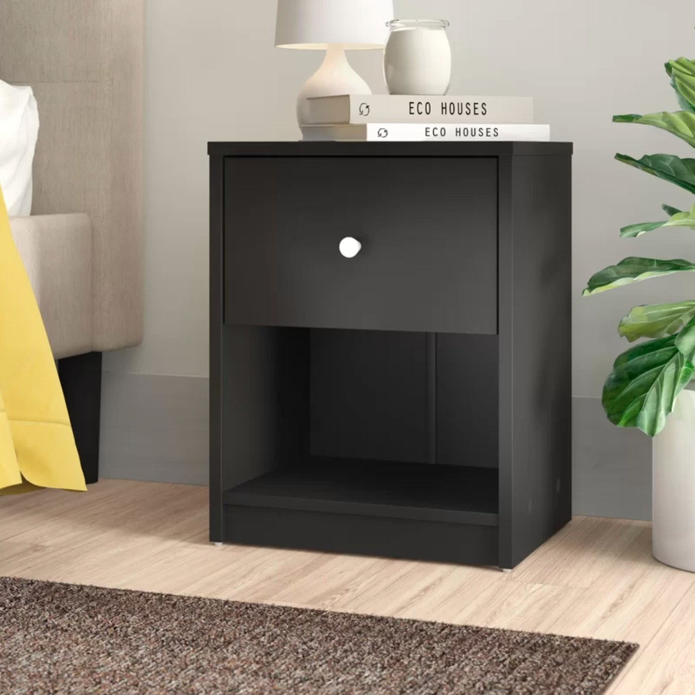 The one drawer dresser in black