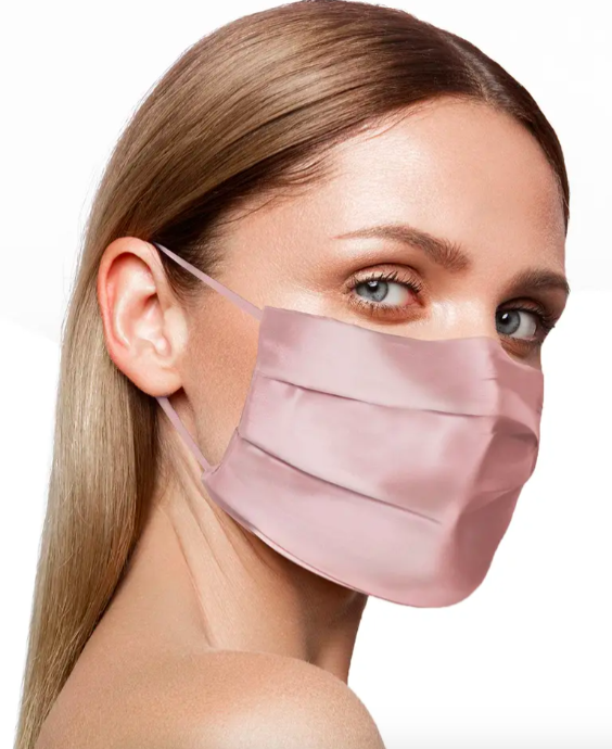 A model wearing the slip face mask.