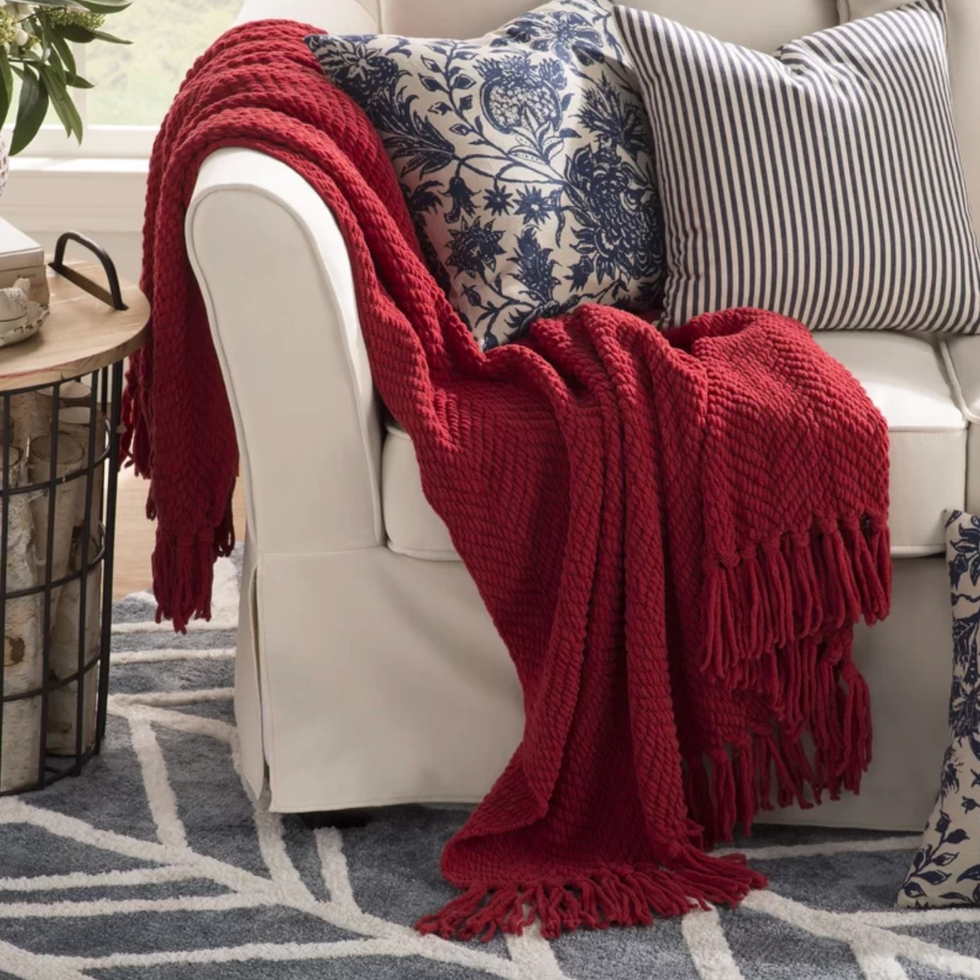 The knit blanket in chili pepper