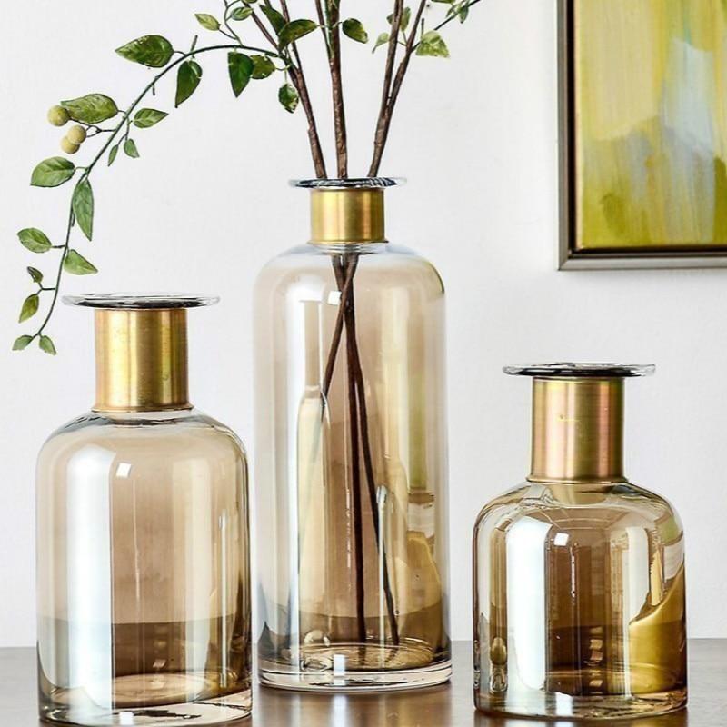 The three sizes of vases