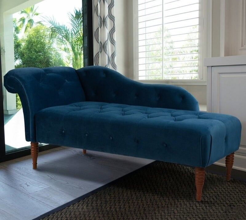 The chaise lounge in teal
