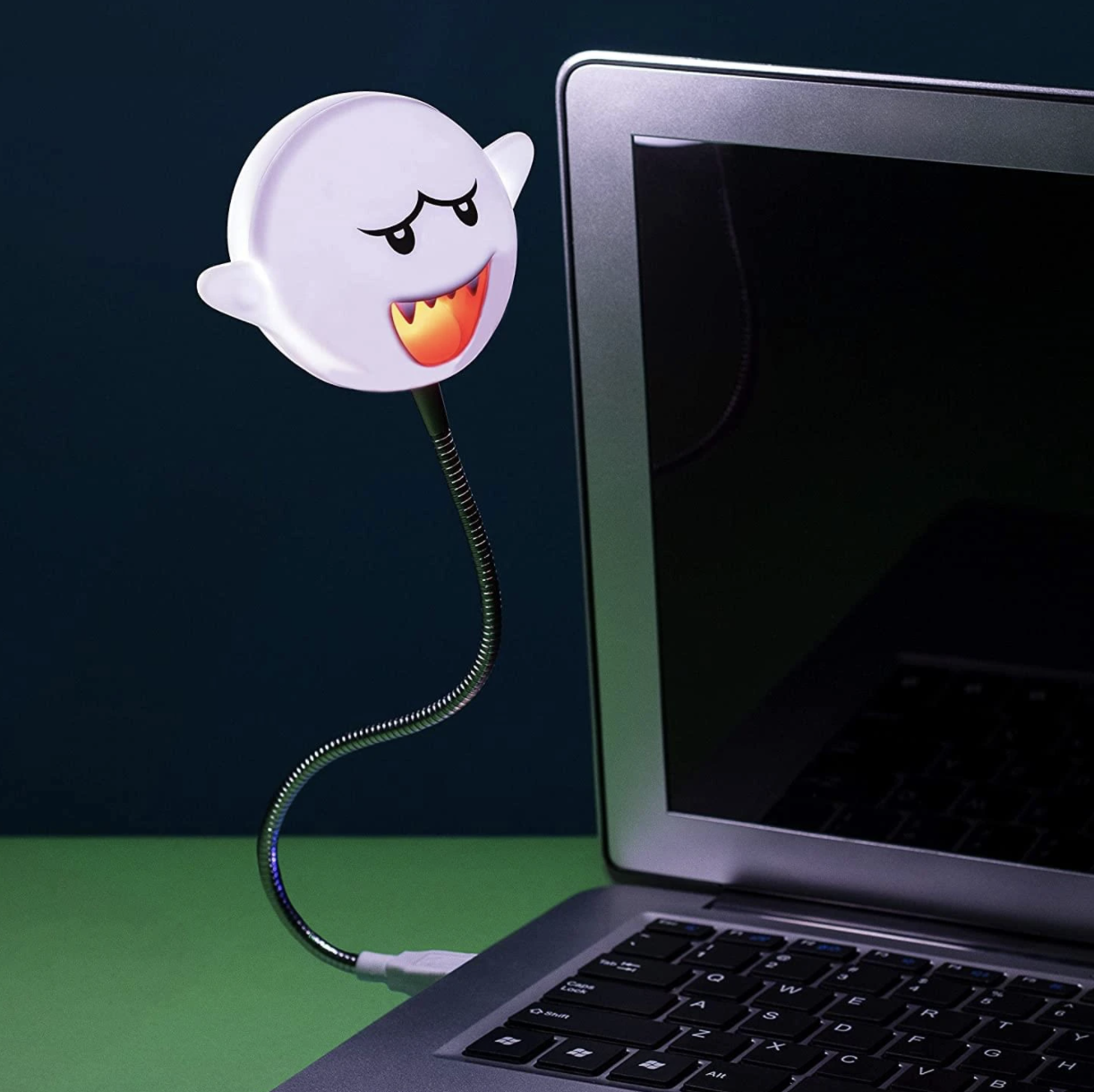 Boo-shaped USB lamp connected to laptop