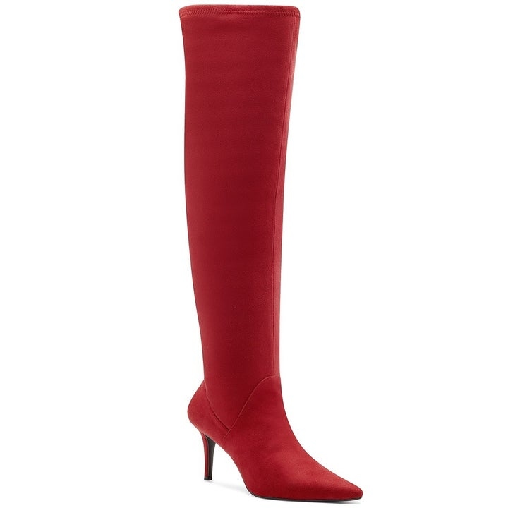 The heeled boots in red
