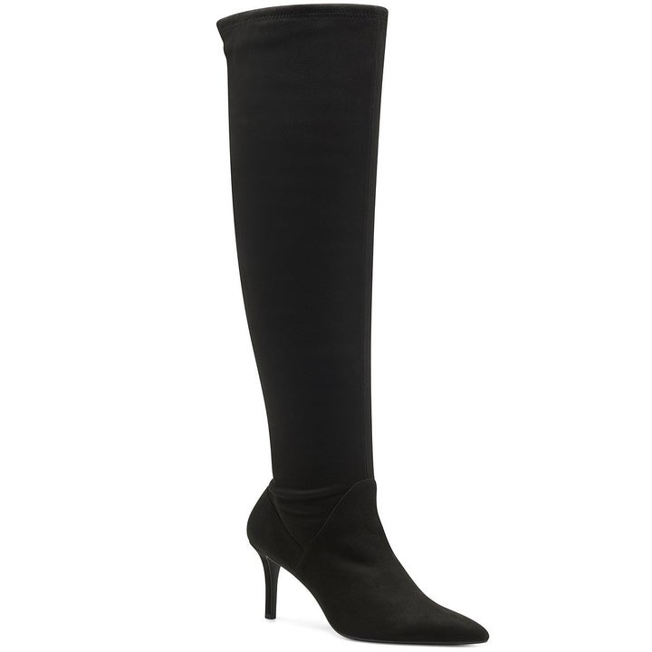 The heeled boot in black