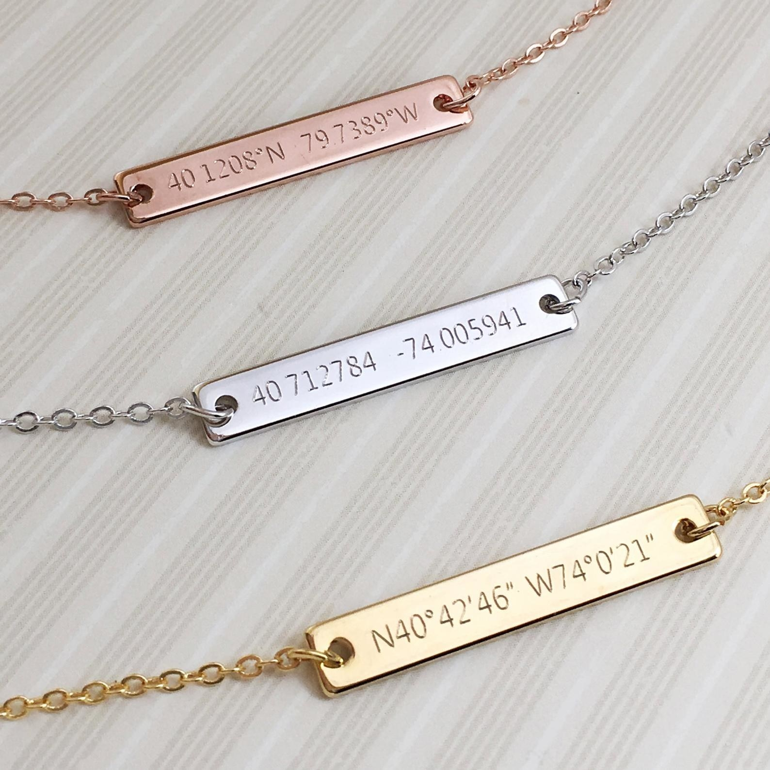 Chain necklace with engraved plate