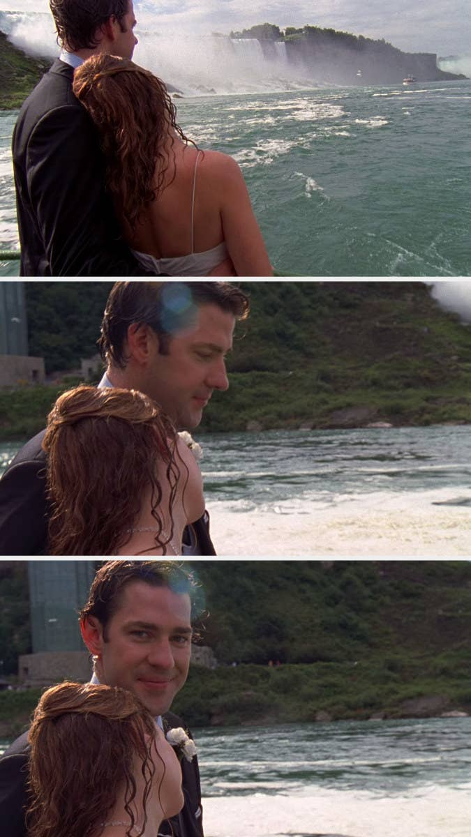 On the Maid of the Mist, Pam rests her head on Jim's shoulder and Jim smiles at the camera