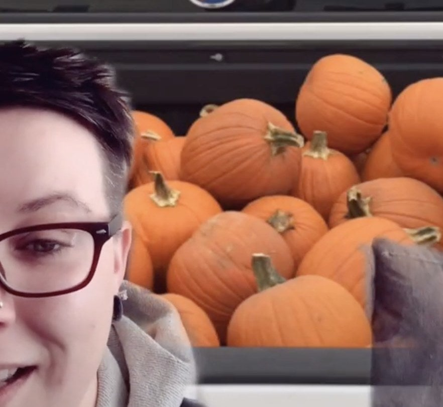 A carload full of pumpkins
