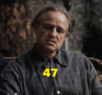 """Marlon Brando sebagai Vito Corleone dalam """"The Godfather"""""""
