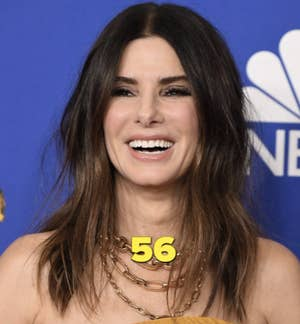Sandra Bullock di acara karpet merah NBC tahun 2020