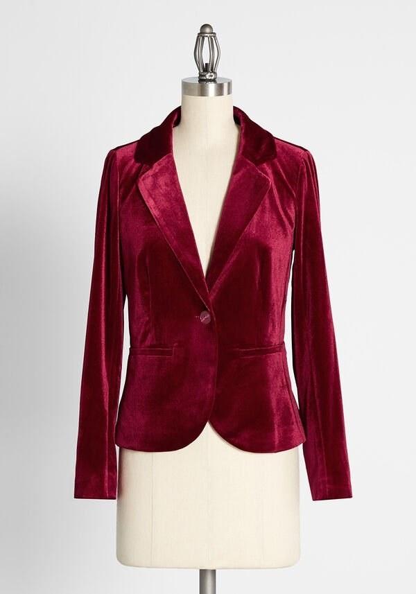 the blazer on a manikin