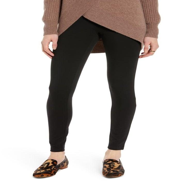 model wearing the black leggings