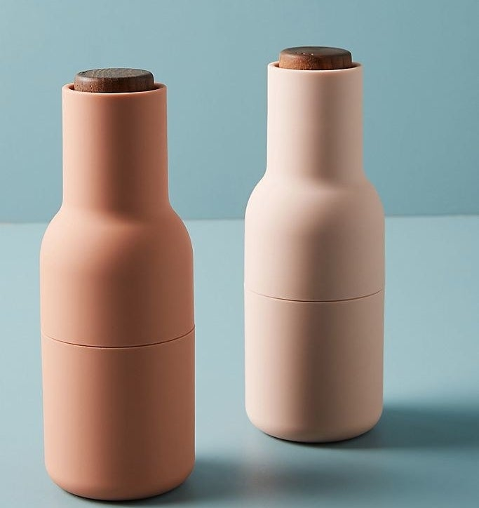 The salt and pepper grinders in blush