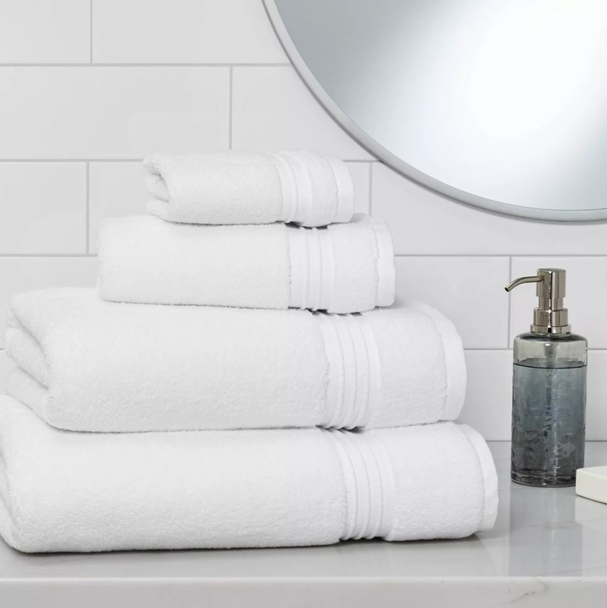 The spa bath towel in white