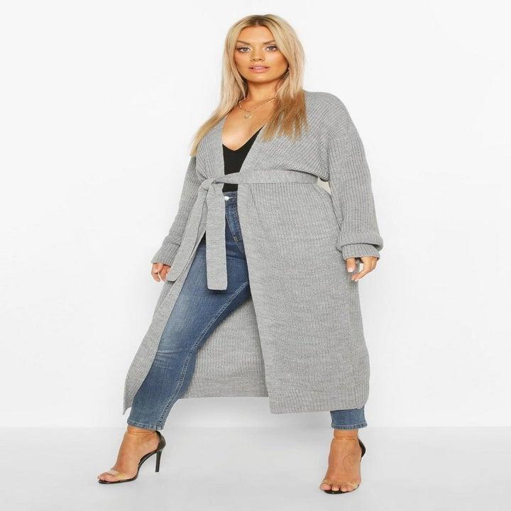 model wearing gray cardigan