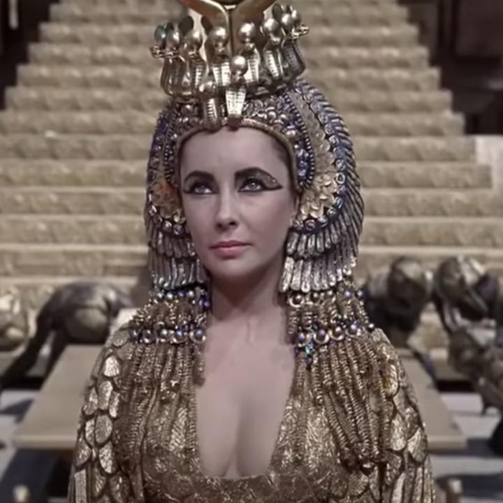 """Elizabeth Taylor making her entrance in """"Cleopatra"""""""