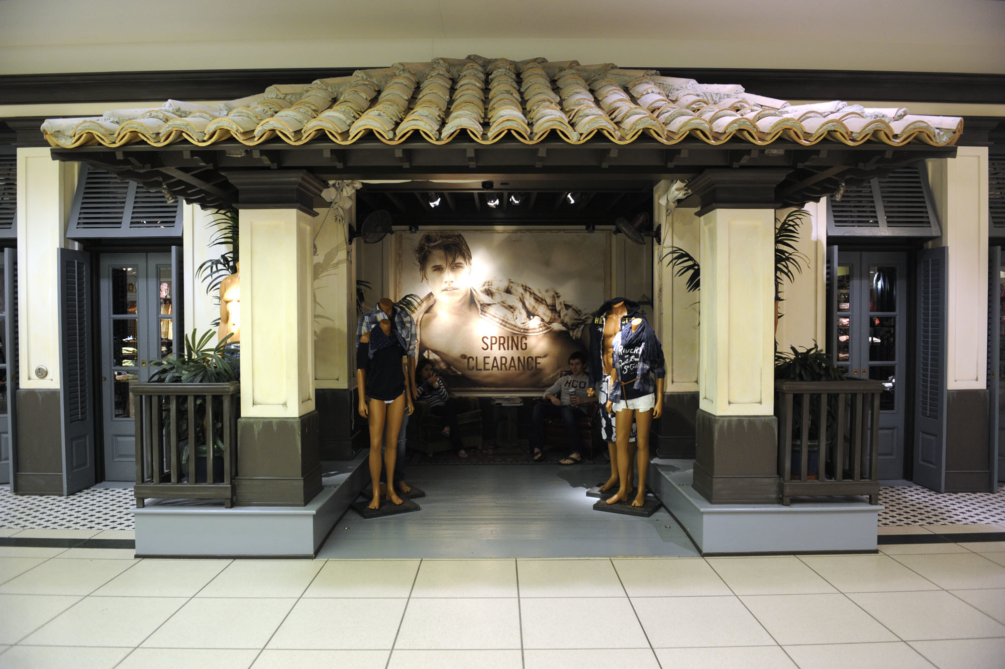 Hollister store with a Spanish beach house design