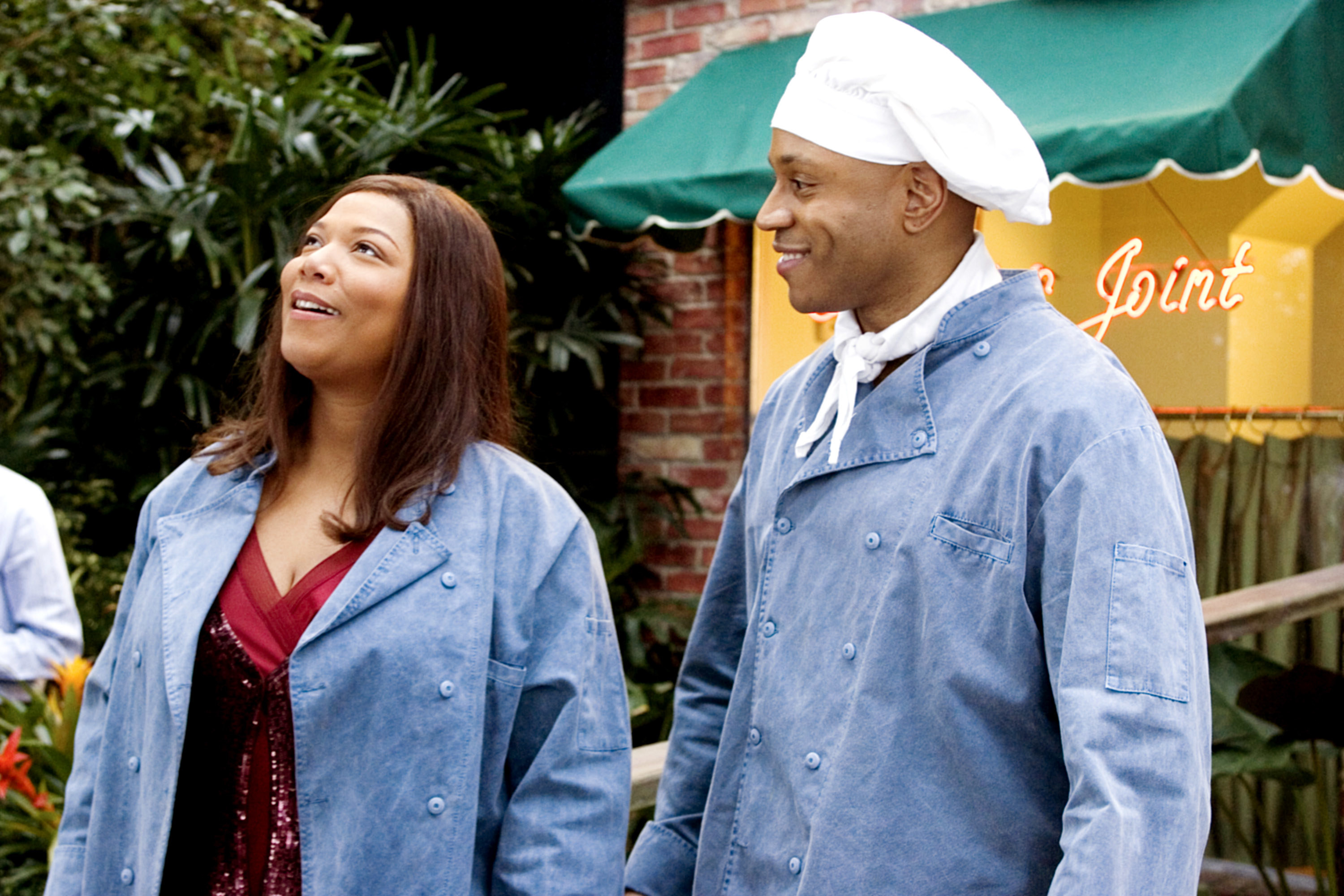 """Queen Latifah and LL Cool J in """"Last Holiday"""""""