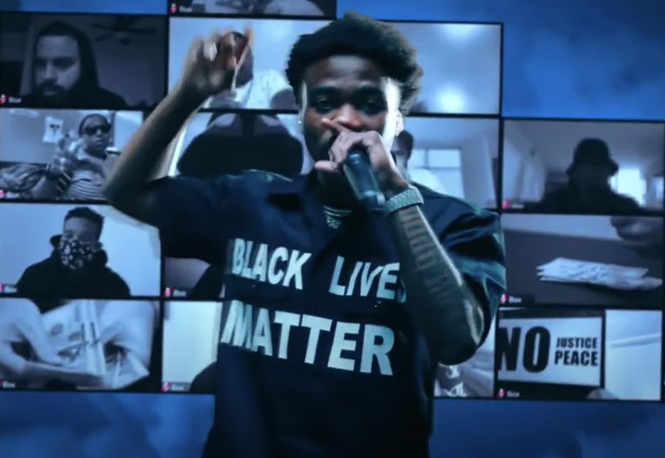 Roddy Ricch performing at the awards with a shirt that says Black Lives Matter