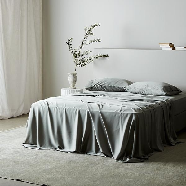 The bamboo sheet set in sage green