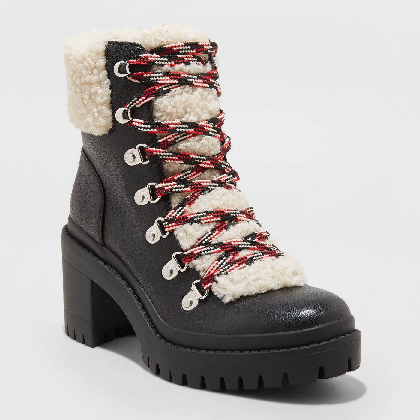 Heeled hiking boots