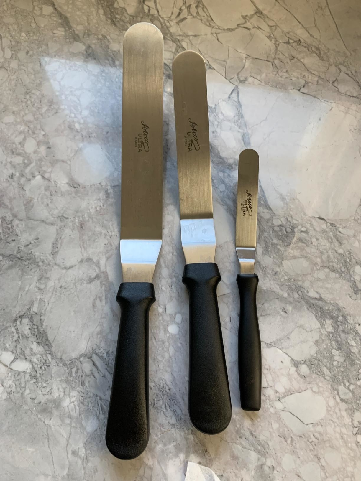 reviewer image of the three ateco offset spatulas