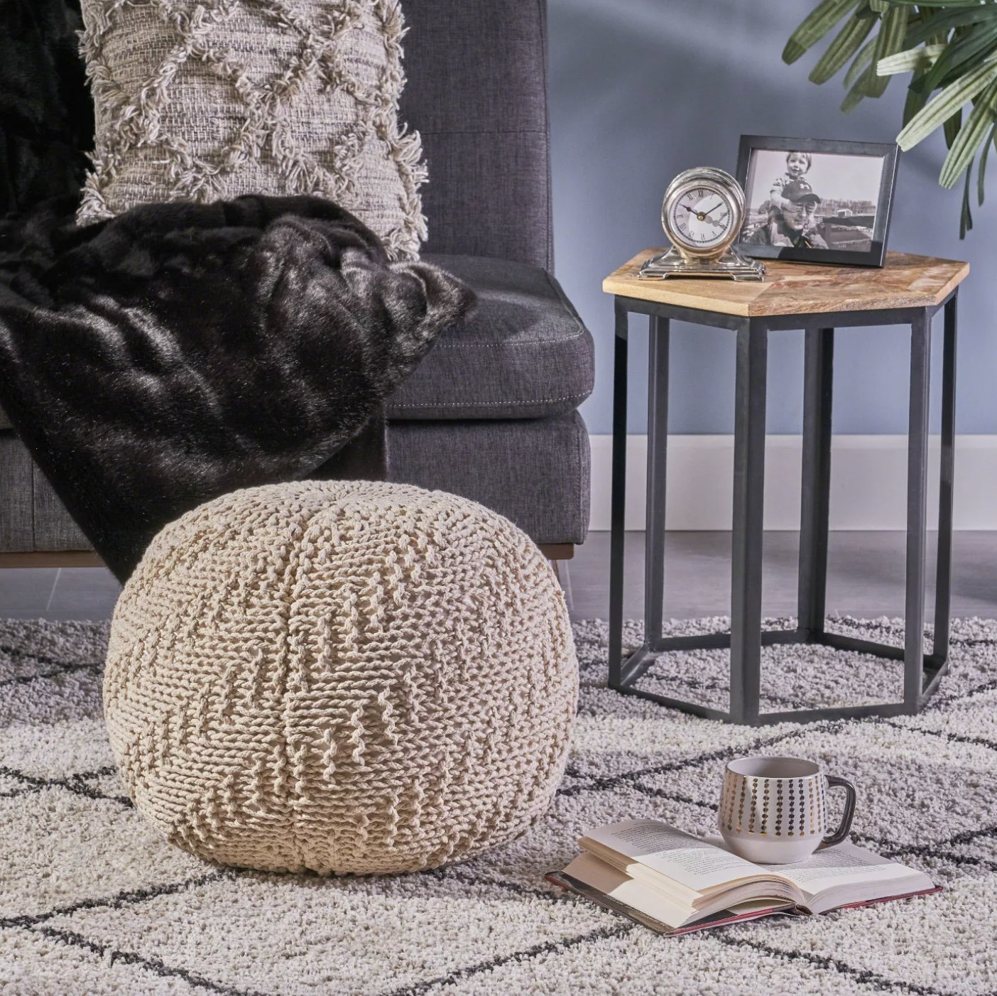 The cream knitted pouf