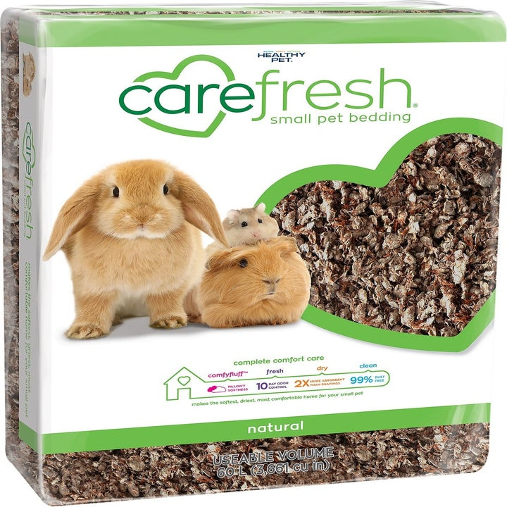 A 60 L package of small pet bedding.