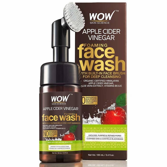 Packaging of the apple cider vinegar facewash with the brush