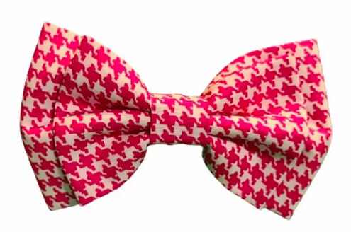 A houndstooth bowtie