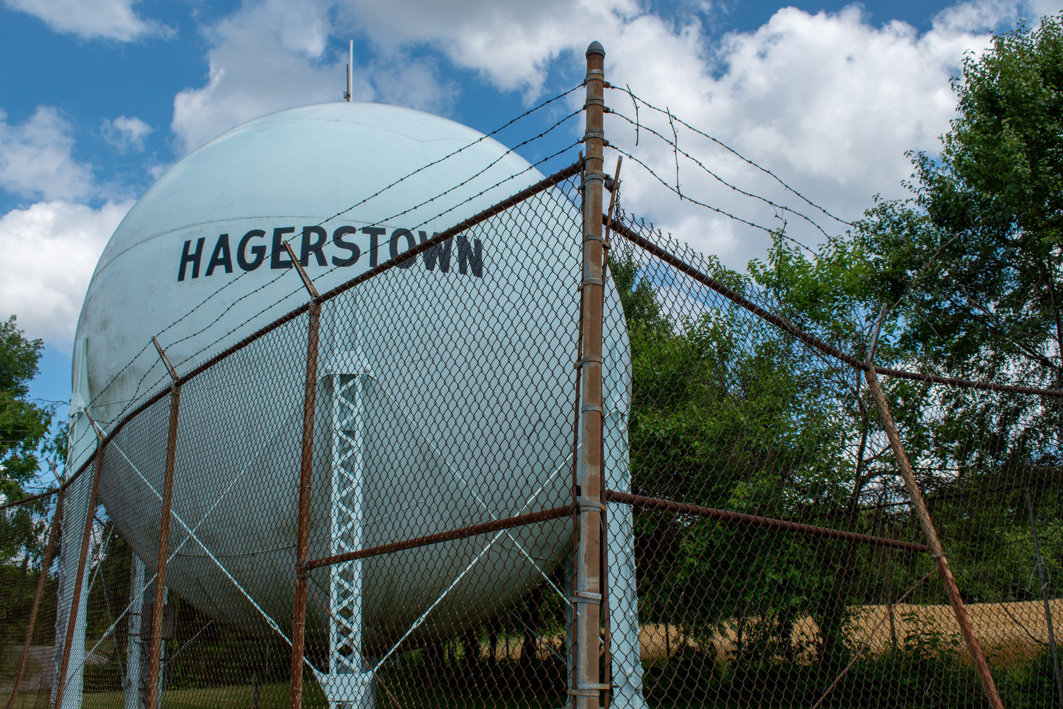 """A photo of a water tower labeled """"Hagerstown."""""""
