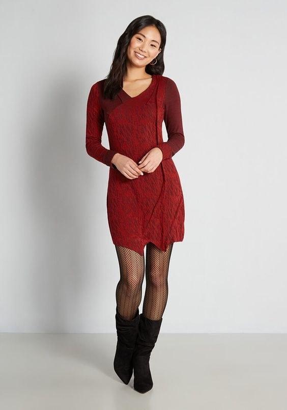 The red mini dress