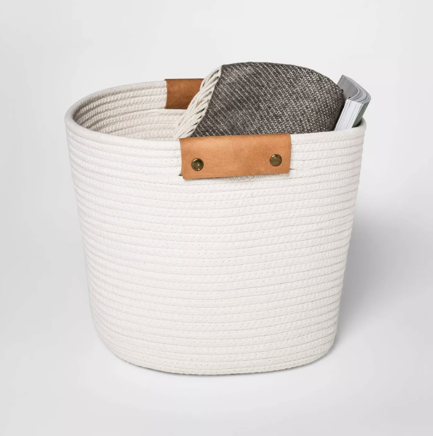 The cream rope basket