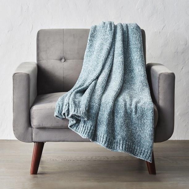 The teal blanket