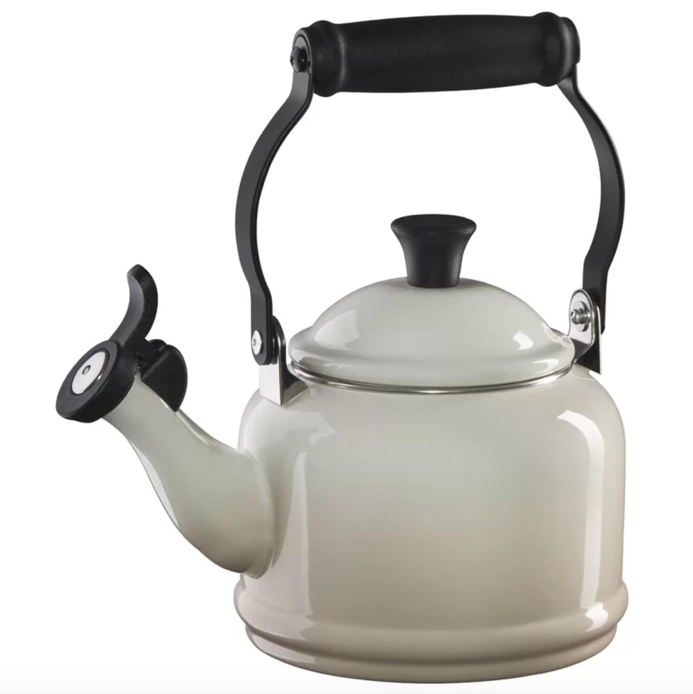 The Le Creuset enamel tea pot in meringue