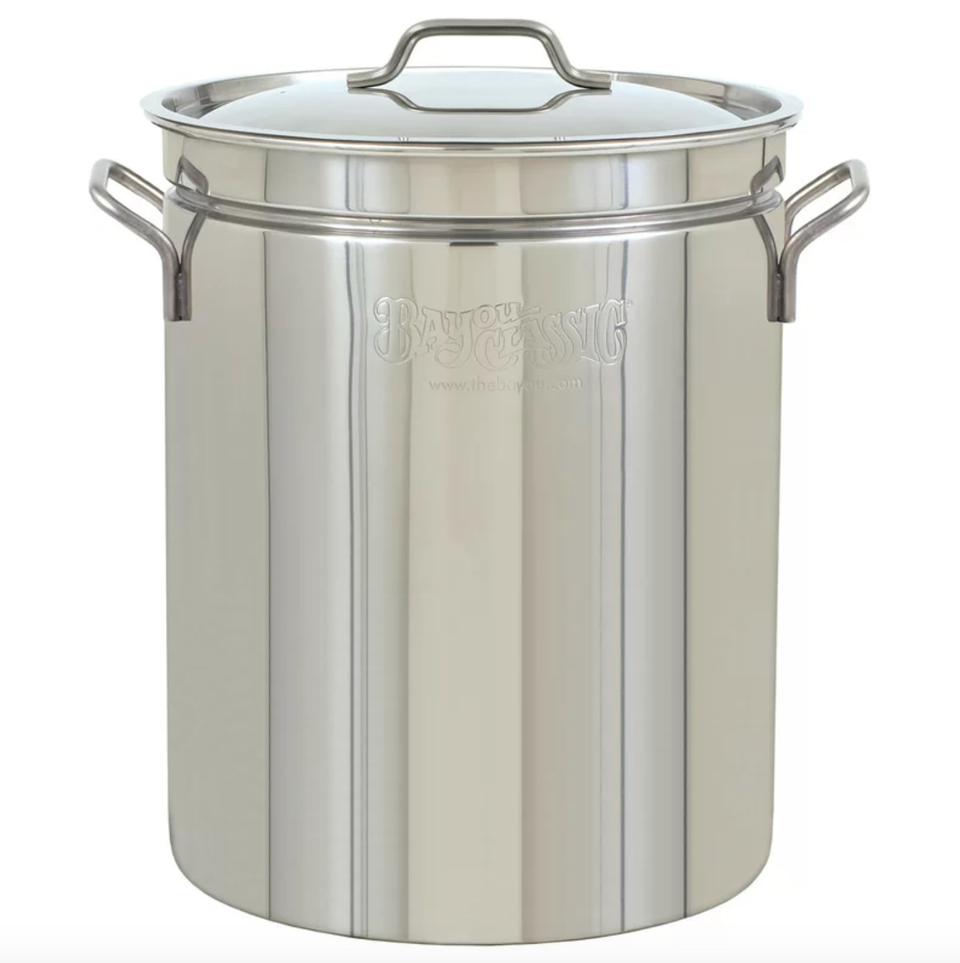 The stainless steel steamer pot with a lid
