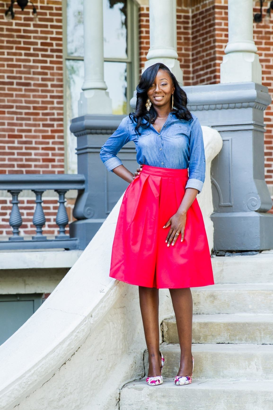 Reviewer wearing the skirt in red