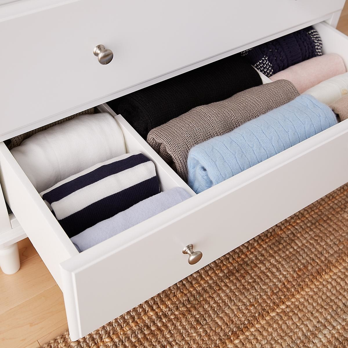 Expandable drawer organizers inserted into drawer