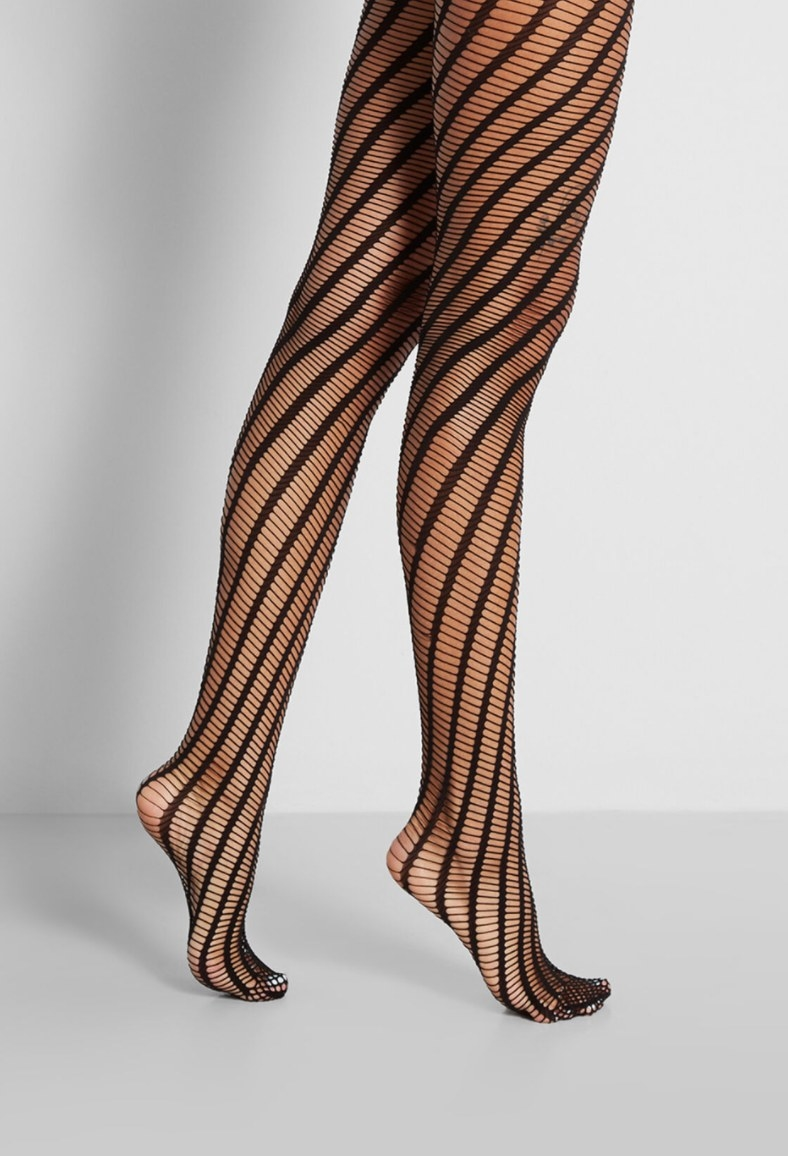 Model wearing the tights
