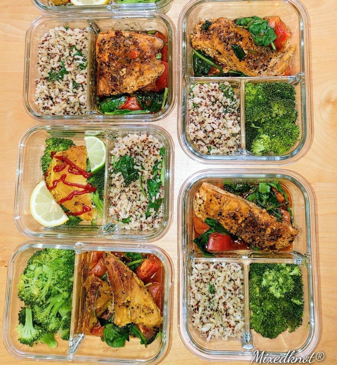 A reviewer's photo showing five prepped meals in the glass containers